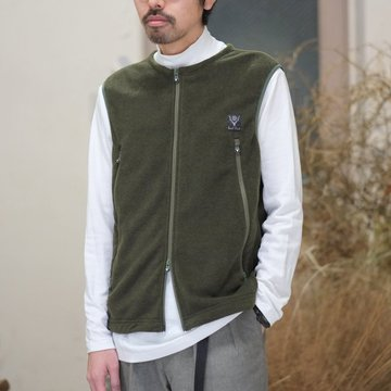 【2018 SS】South2 West8(サウスツーウエストエイト) Outing Vest [Micro Fleece] -OLIVE-  #BG812