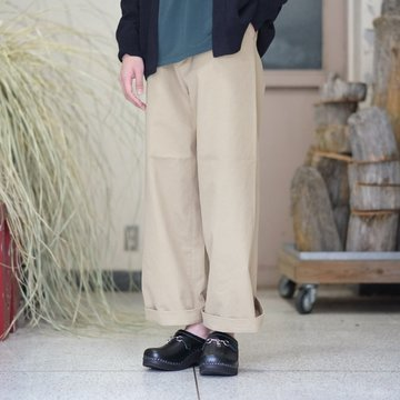 【2018 SS】 AURALEE(オーラリー) WASHED FINX LIGHT CHINO WIDE PANTS -KHAKI BEIGE- #A8SP01CN