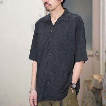 【2018 SS】COMOLI (コモリ) ウール天竺 半袖シャツ -CHARCOAL- #M01-05010