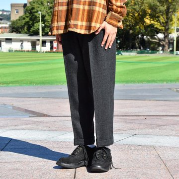 BROWN by 2-tacs (ブラウンバイツータックス) WIDE SLACKS -CHARCOAL-  #B20-P005
