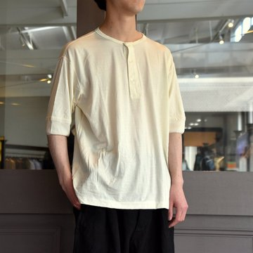 【2019 SS】COMOLI (コモリ) ウール天竺ヘンリーネックTシャツ-P01-05008
