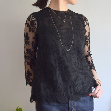 Bilitis dix-sept ans(ビリティス・ディセッタン)Leaver Lace Blouse