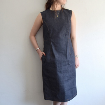 MADISONBLUE(マディソンブルー) SLEEVELESS CREW NECK DENIM DRESS【K】