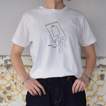 YAECA(ヤエカ) プリントTシャツ(CHIPS)【K】