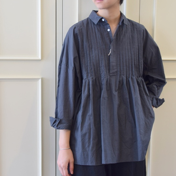 TOUJOURS(トゥジュー)Back Gathered Pin Tuck Shirt(2色展開)【K】