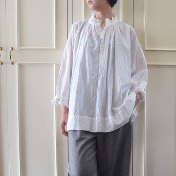 TOUJOURS(トゥジュー) Frill Collar Surplice Shirt(2色展開)【K】