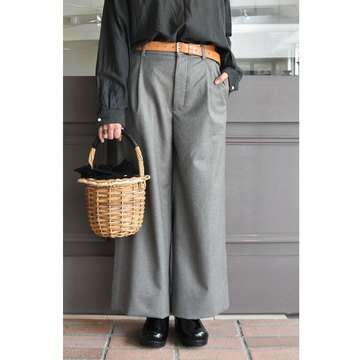 TOUJOURS(トゥジュー) Single Pleated Wide Trousers(ワイドトラウザー)