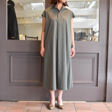 SCYE(サイ)/140/2 先染高密度無地イタリアンカラーサックドレス